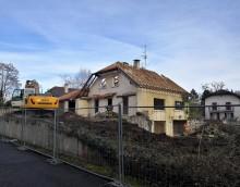 Mapraz – 4 maisons : Démolition en cours